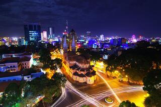 Things-to-do-in-Saigon-at-night